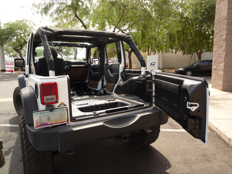 Jeep 4 Door White Gate Open